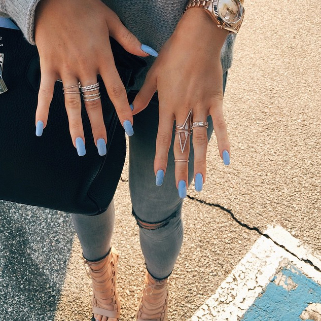 Editor-Tested: I Wore Insanely Long Nails Like Kylie Jenner for a ...
