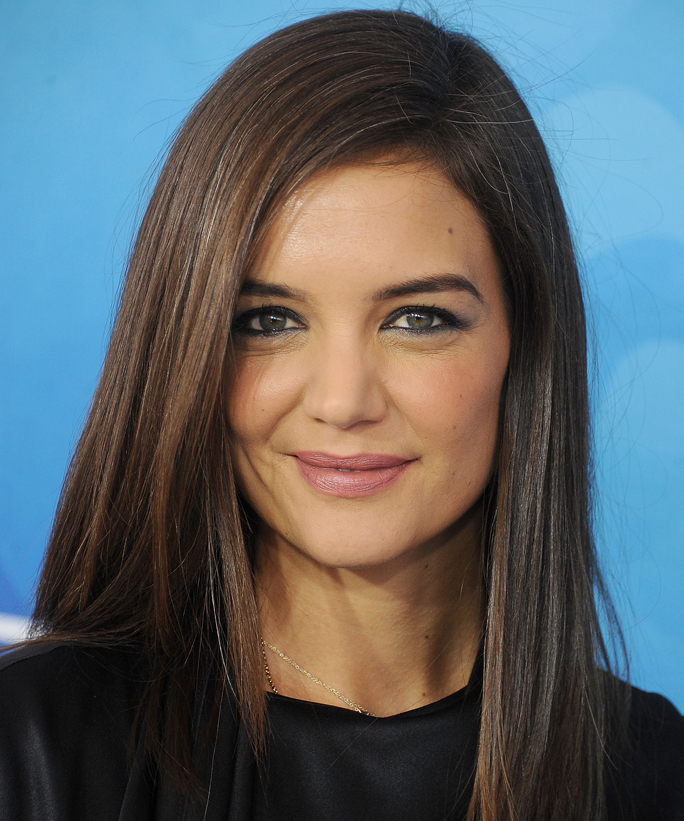"""How Katie Holmes Cleans Out Her Closet: """"If It has Bad Memories, Get Rid of It"""""""