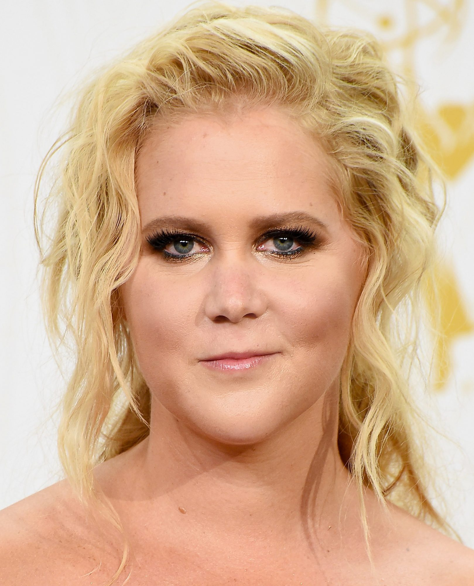Amy Schumer's Bronzed Smoky Eye
