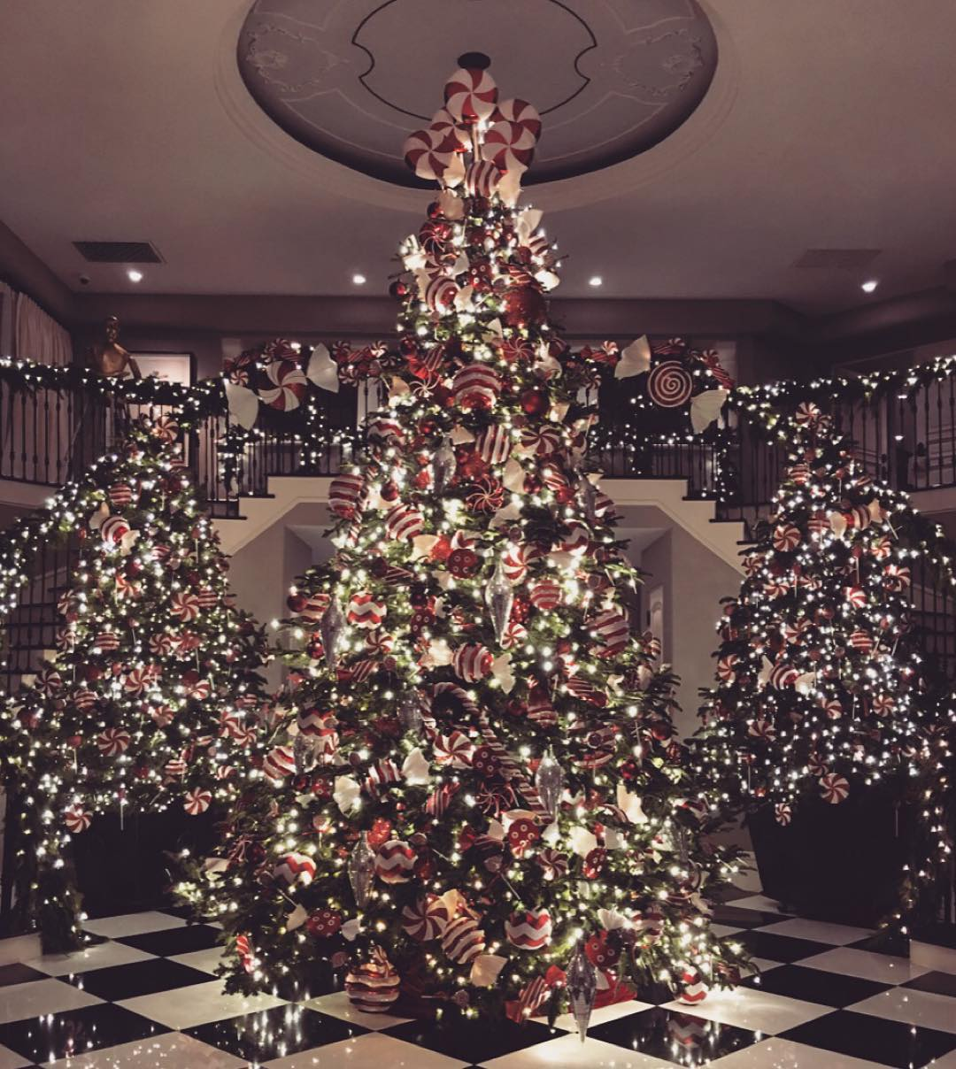 Christmas Tree Facebook Cover Photo: See The Best Celebrity Christmas Trees Of 2015