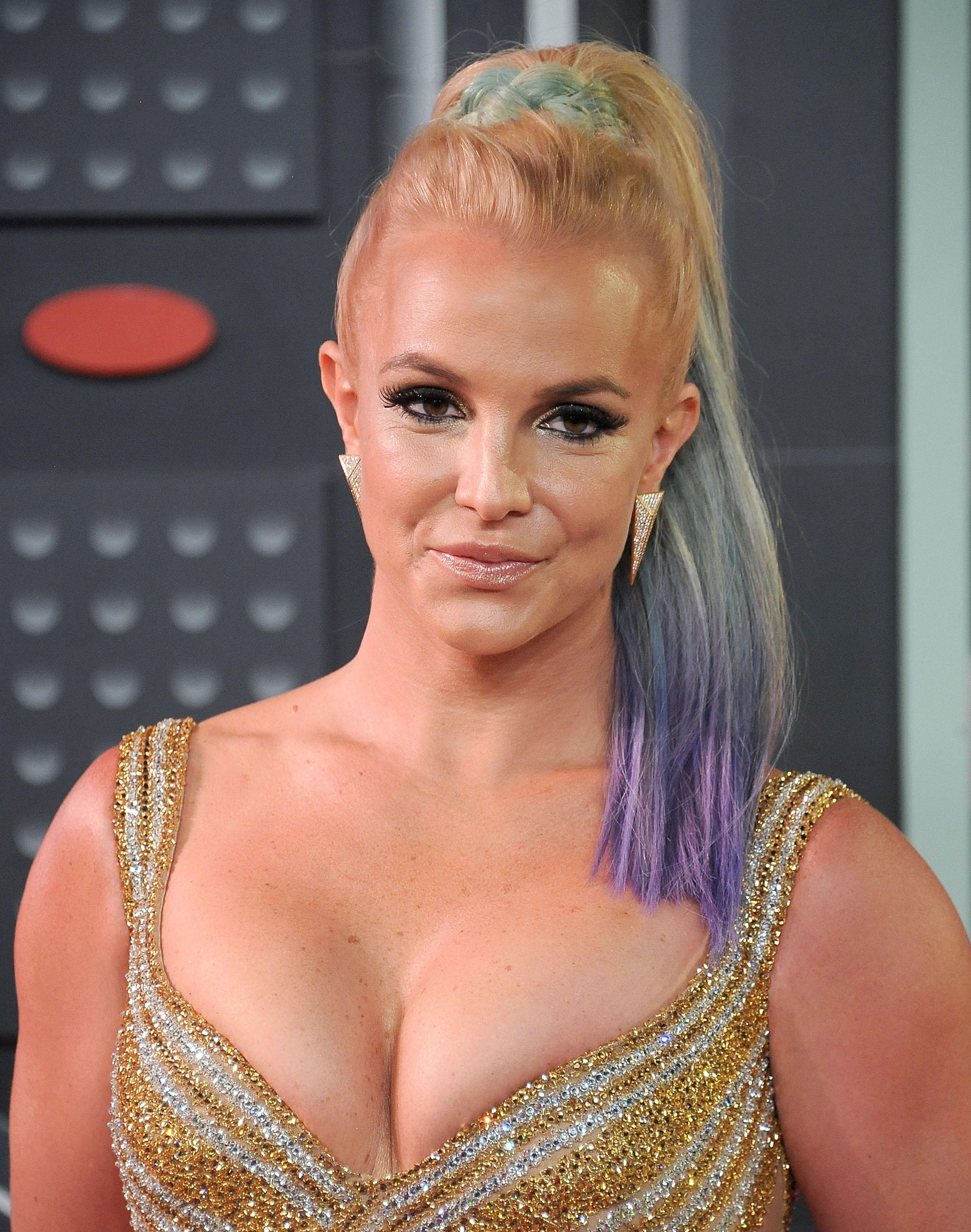 <p>LOS ANGELES, CA - AUGUST 30: Singer Britney Spears arrives at the 2015 MTV Video Music Awards at Microsoft Theater on August 30, 2015 in Los Angeles, California. (Photo by Gregg DeGuire/WireImage)</p>