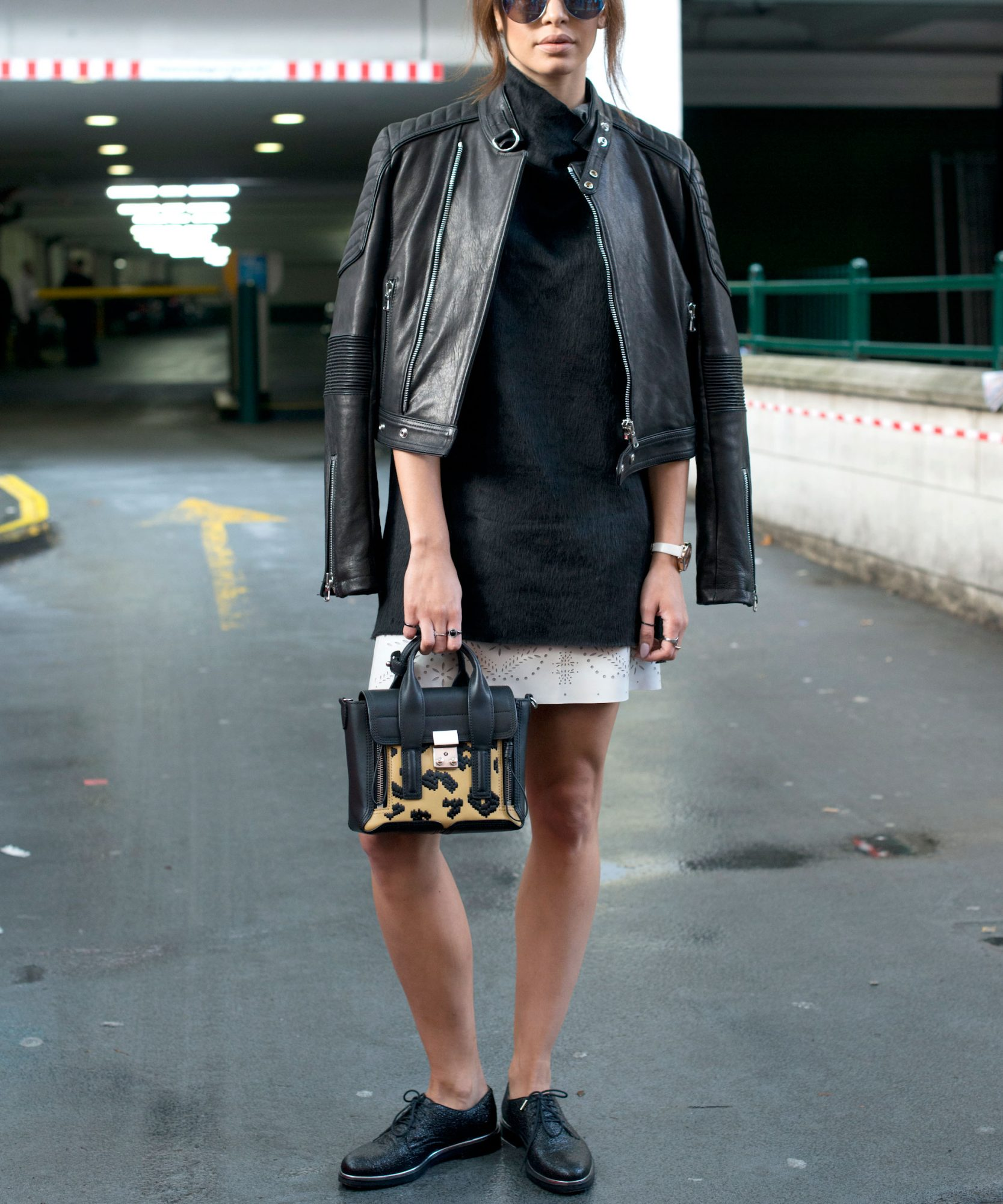 <p>Go for a Downtown Chic Look</p>