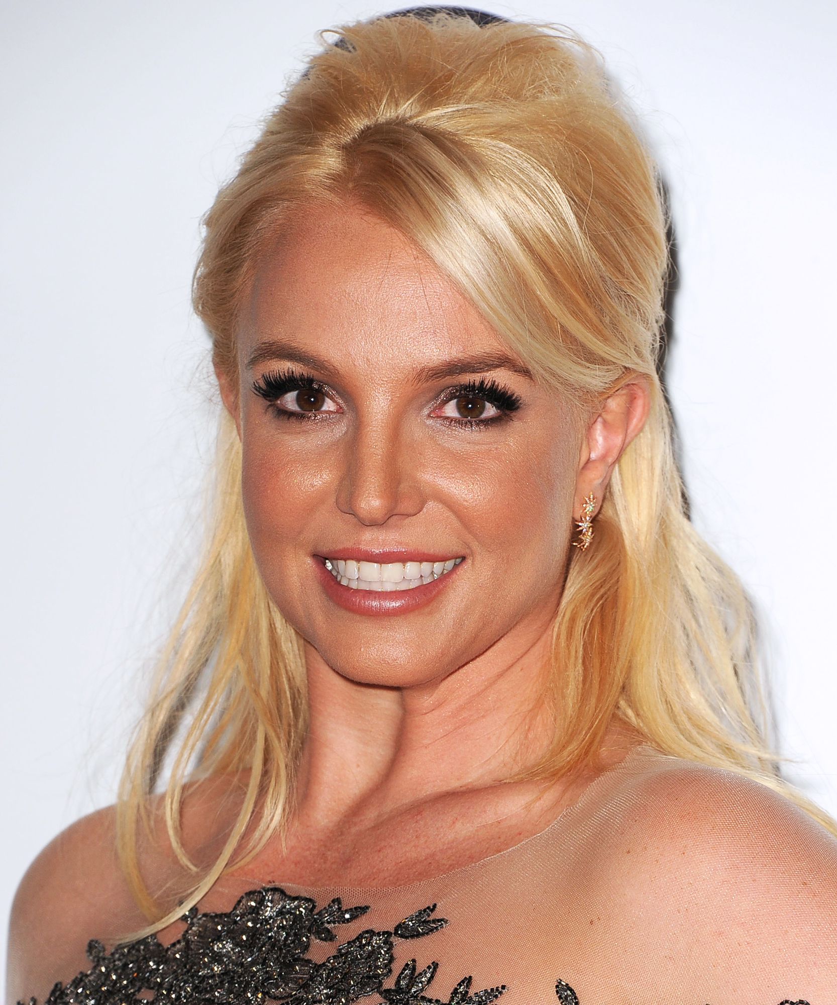 Britney Spears Shares Cute Photo of Her Sons Brushing Their Teeth