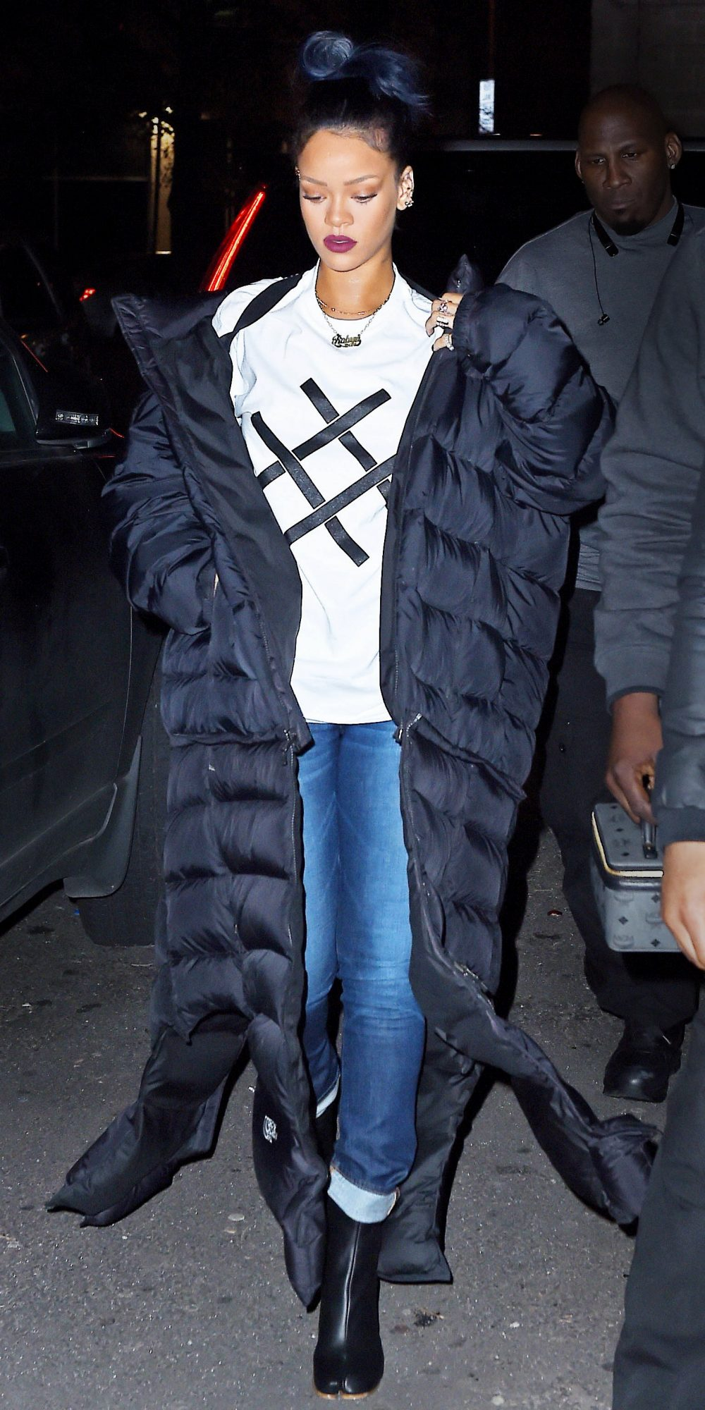<p>A Tee + Jeans (+Puffer)</p>