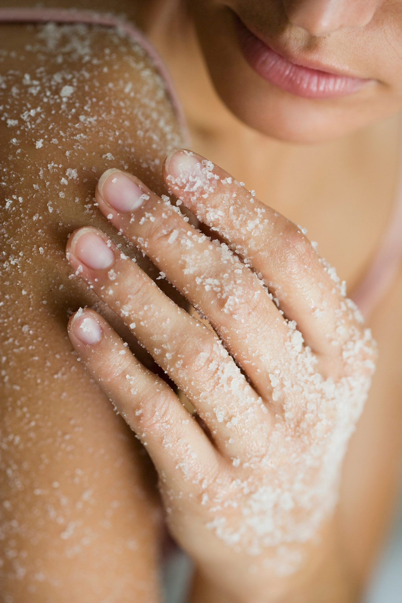 Here's How to DIY the Best Body Scrub for Your Skin