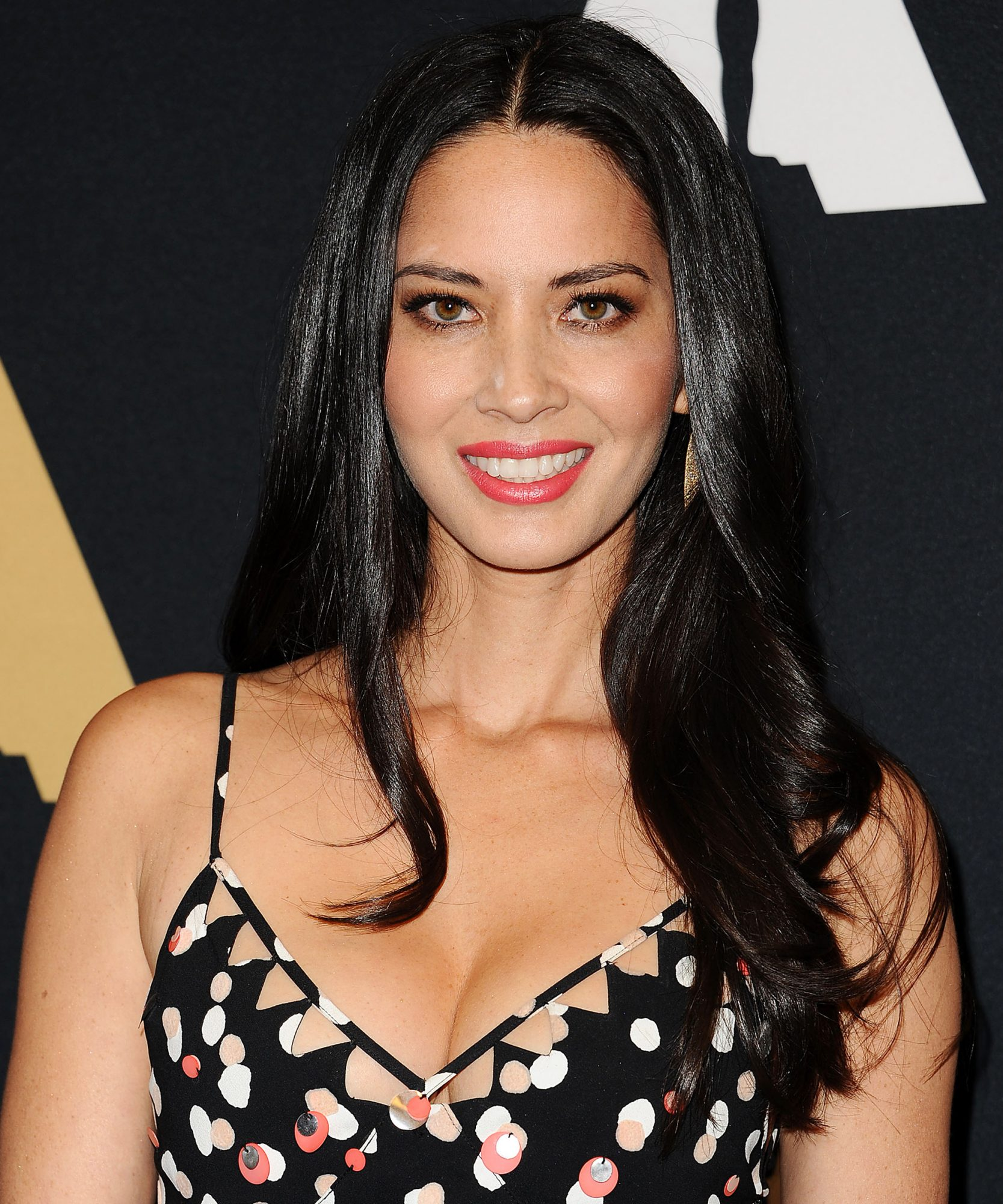 Olivia Munn's Secret to Great Cleavage Is Way More Comfortable Than Kim Kardashian West's Suggestion