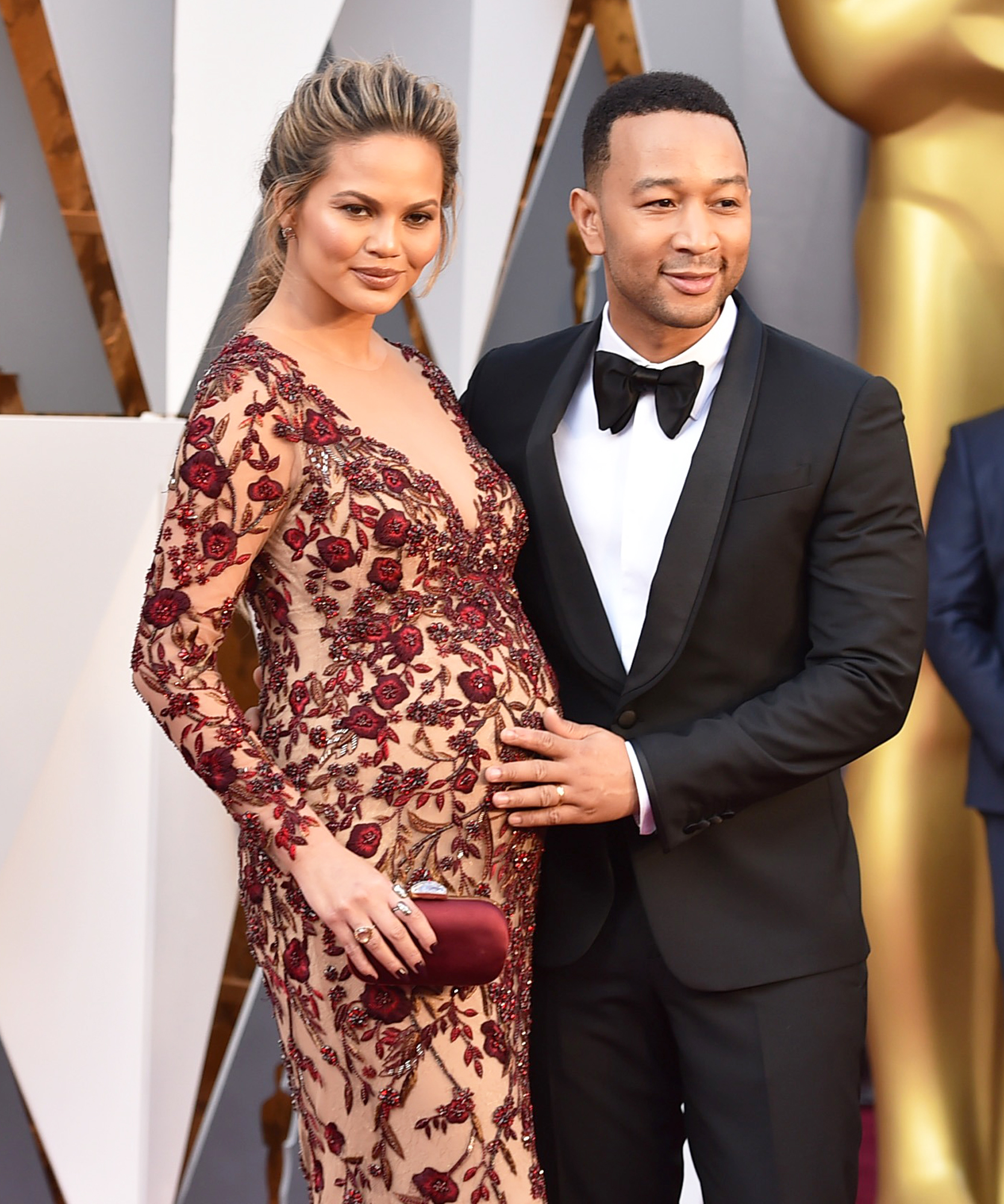 Chrissy Teigen and John Legend Have an Adorable Date Night on the Oscars Red Carpet