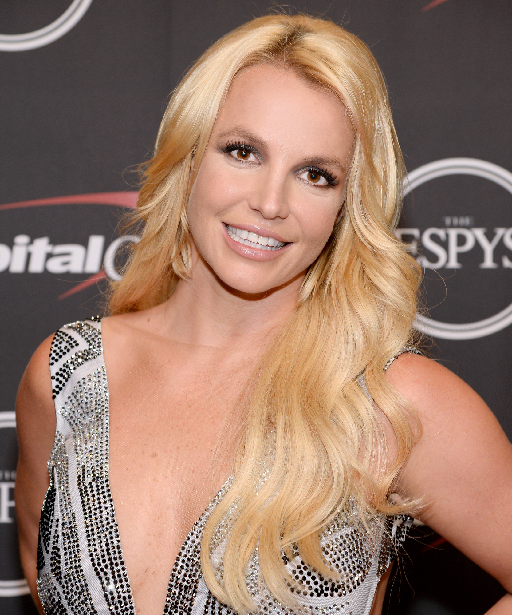 <p>Britney Spears lead</p>