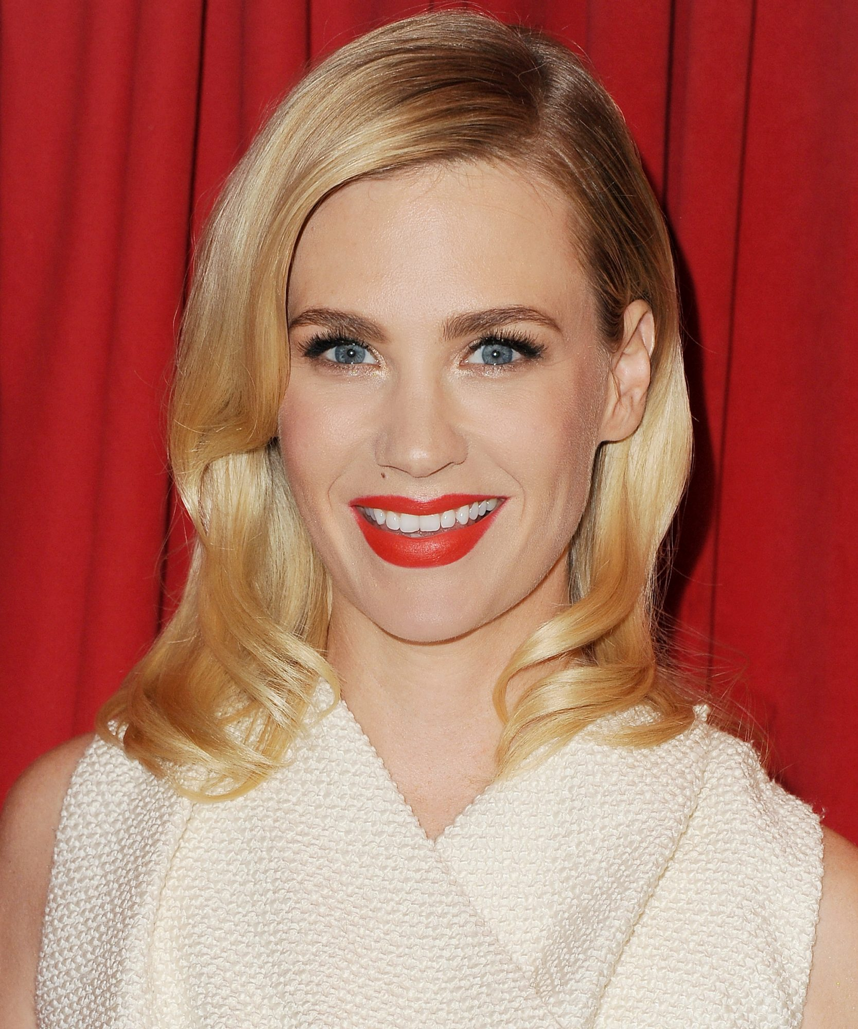 This Is How January Jones Separates Herself from <em>Mad Men</em>'s Betty Draper