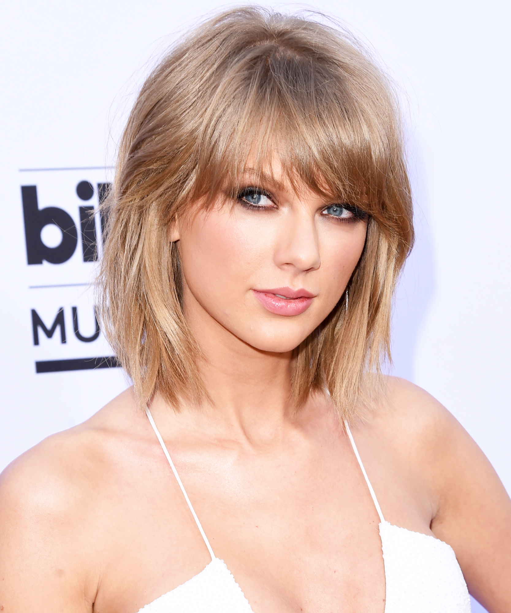 Taylor Swift Billboard Arrivals 2015 - Lead 2016