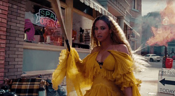 The Best GIFs from Beyoncé's <em>Lemonade</em>