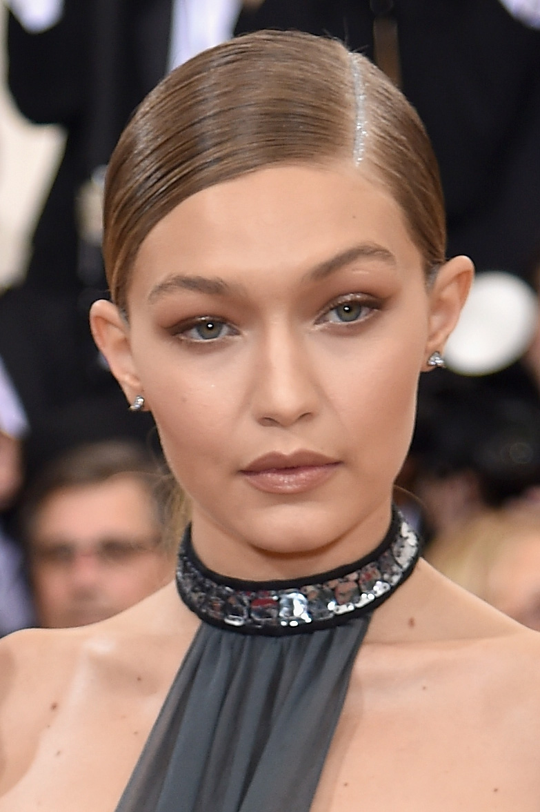 You Have To Check Out Gigi Hadid S Insane Met Gala Mani