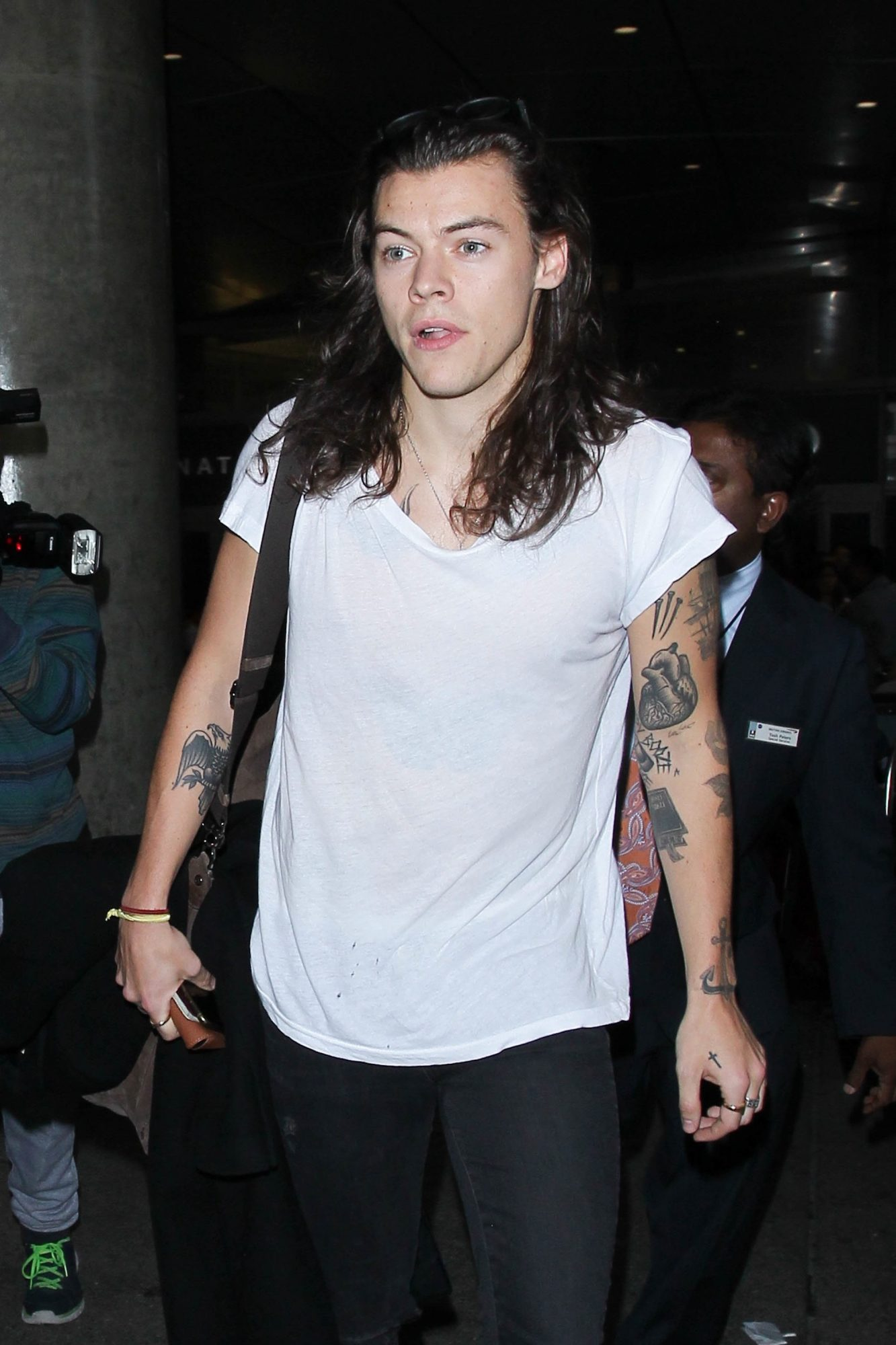 Behold: Harry Styles Finally Reveals His Short Hair to the World