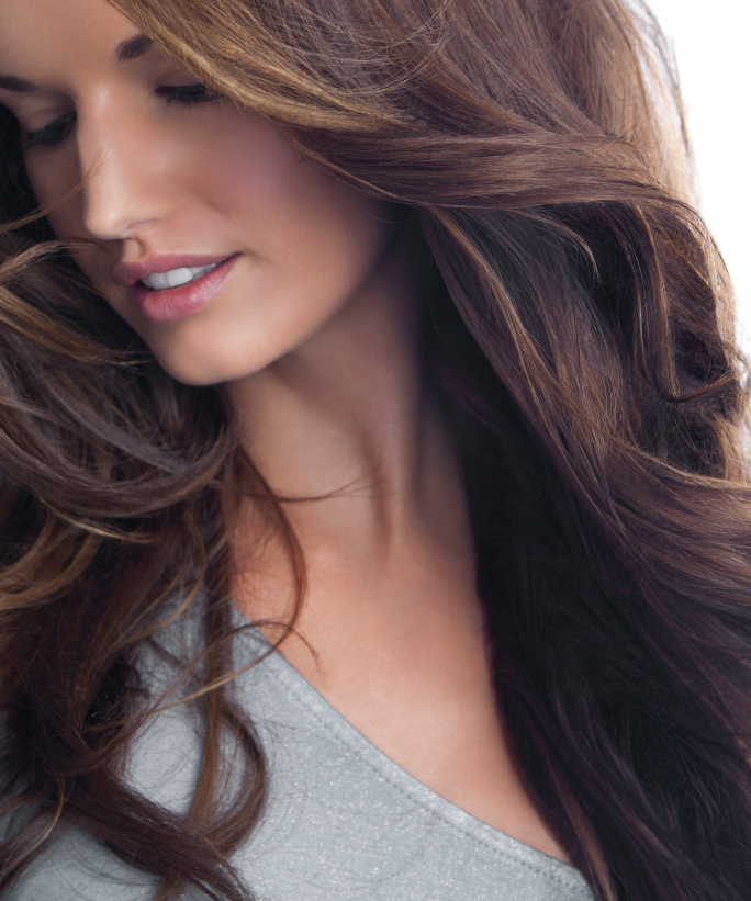How to Gracefully Grow Out Your Hair Color | InStyle.com