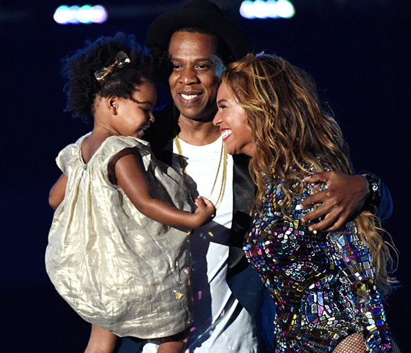 Our Favorite Moment of the 2014 VMAs: Blue Ivy Dances with Jay Z While Beyonce Performs