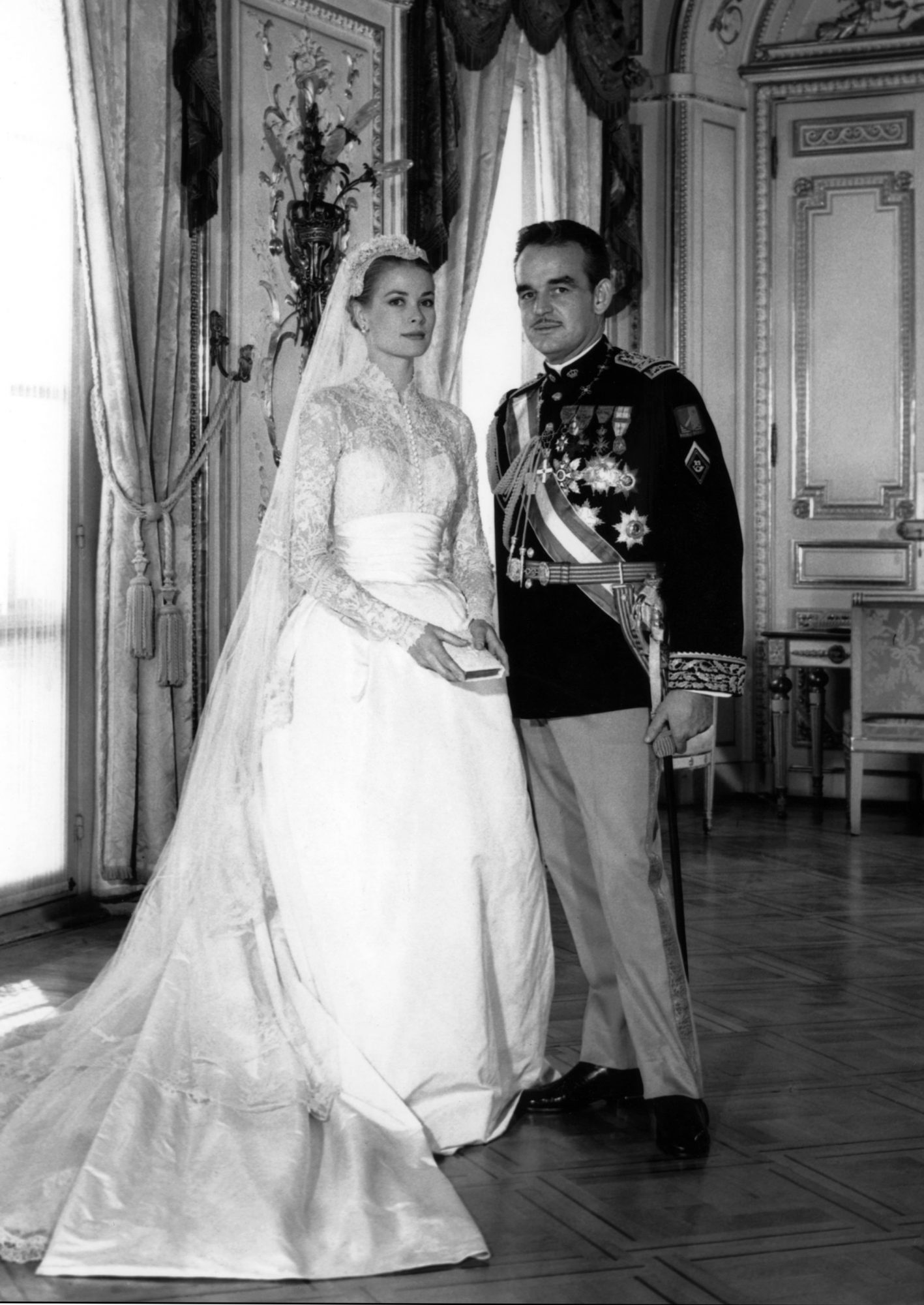 13 celebrities who wore long sleeved wedding dresses instyle 1 grace kelly junglespirit Choice Image