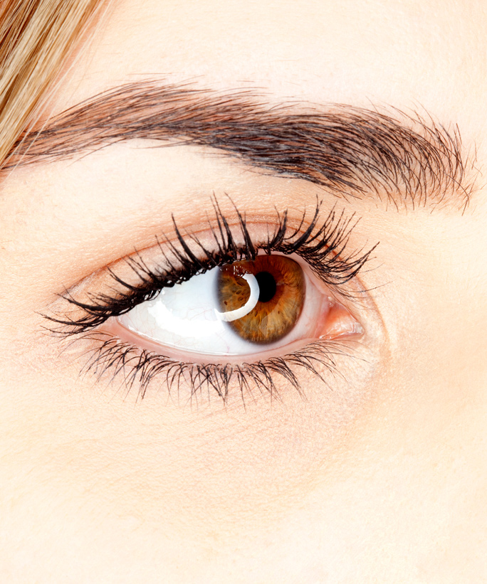Is Waxing or Threading Better for Your Brows?