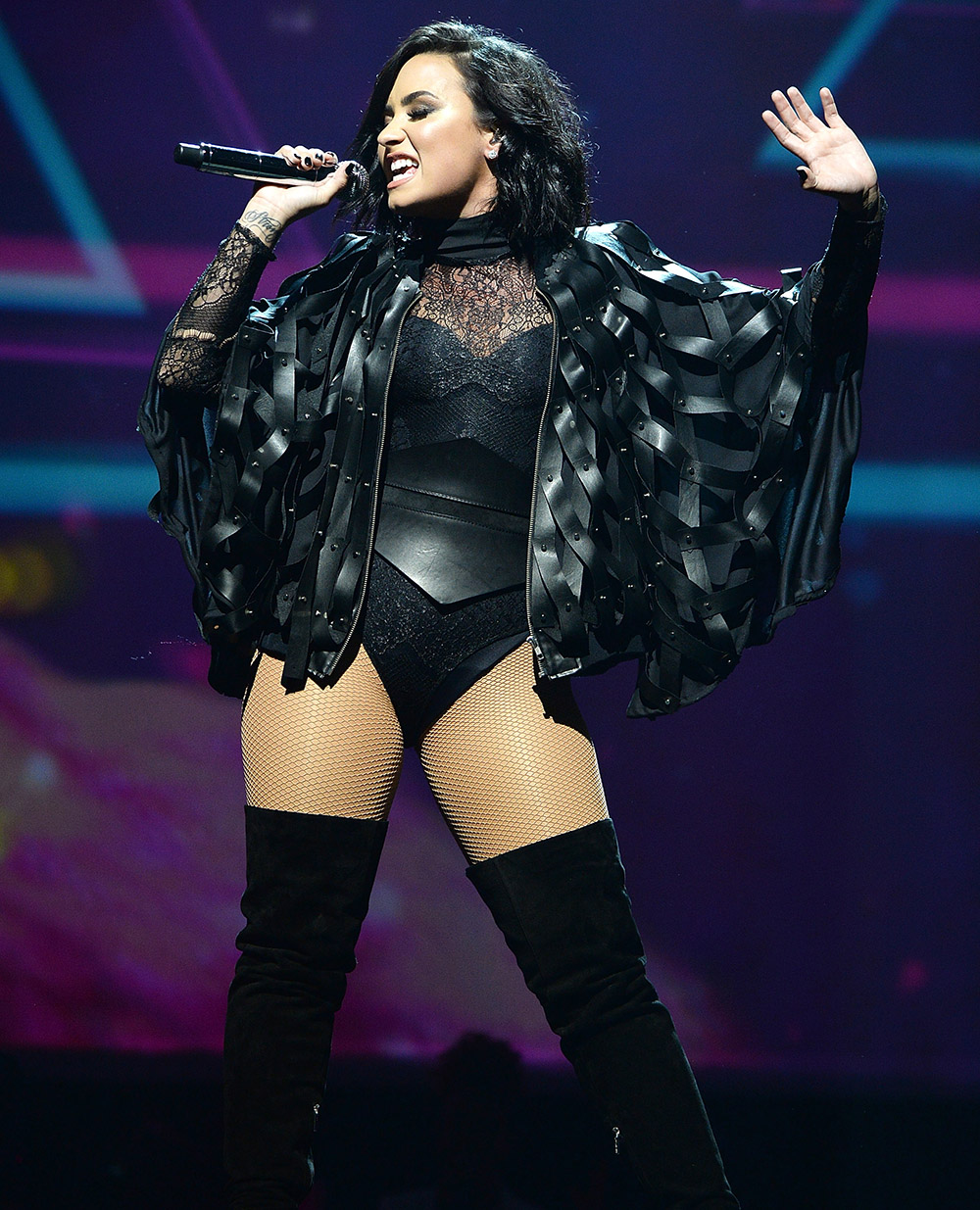 Demi Lovato Flaunts Her Amazing Curves at Brooklyn Concert