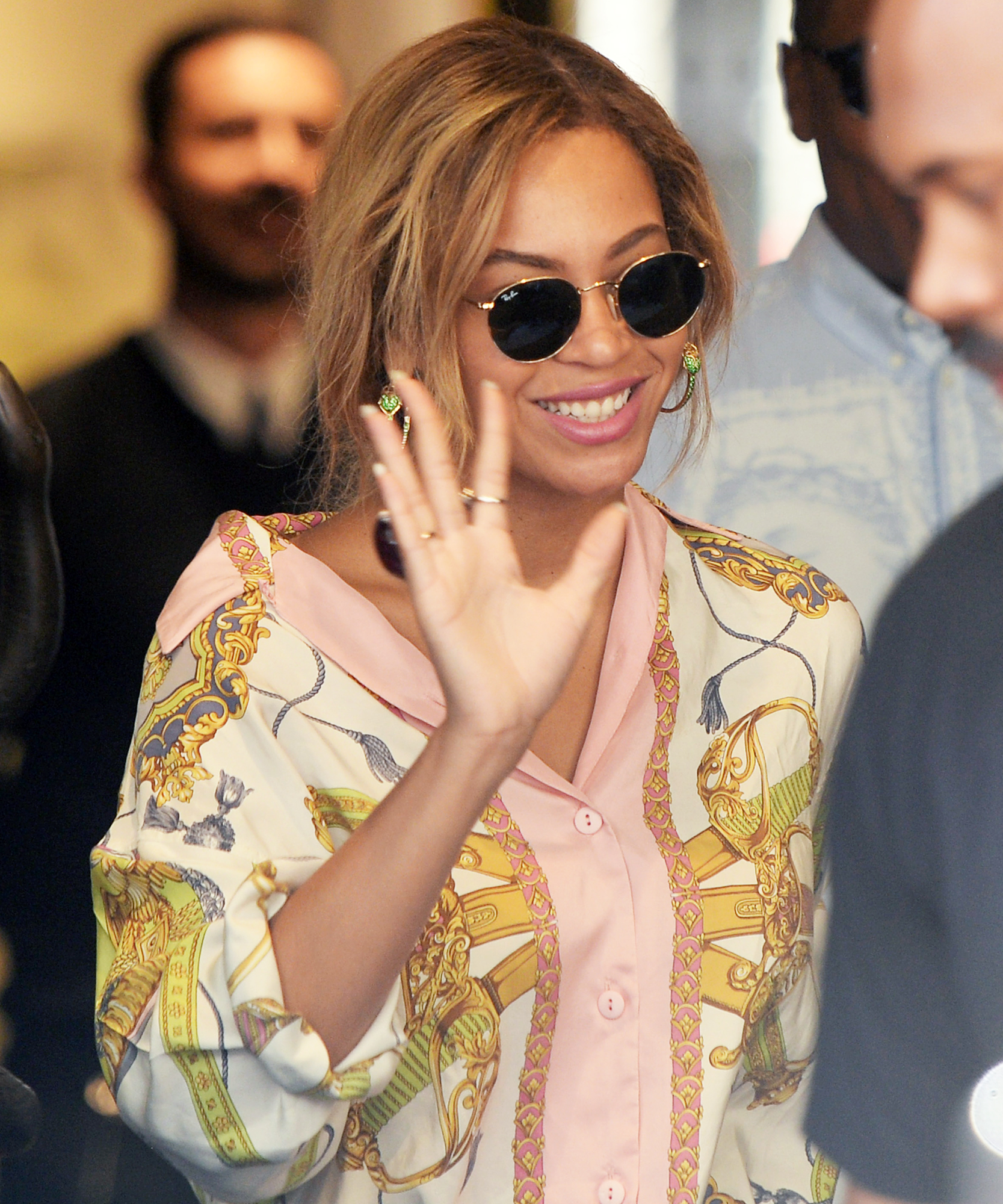 Beyonce and Jay Z Shopping in Milan Italy - Lead 2016