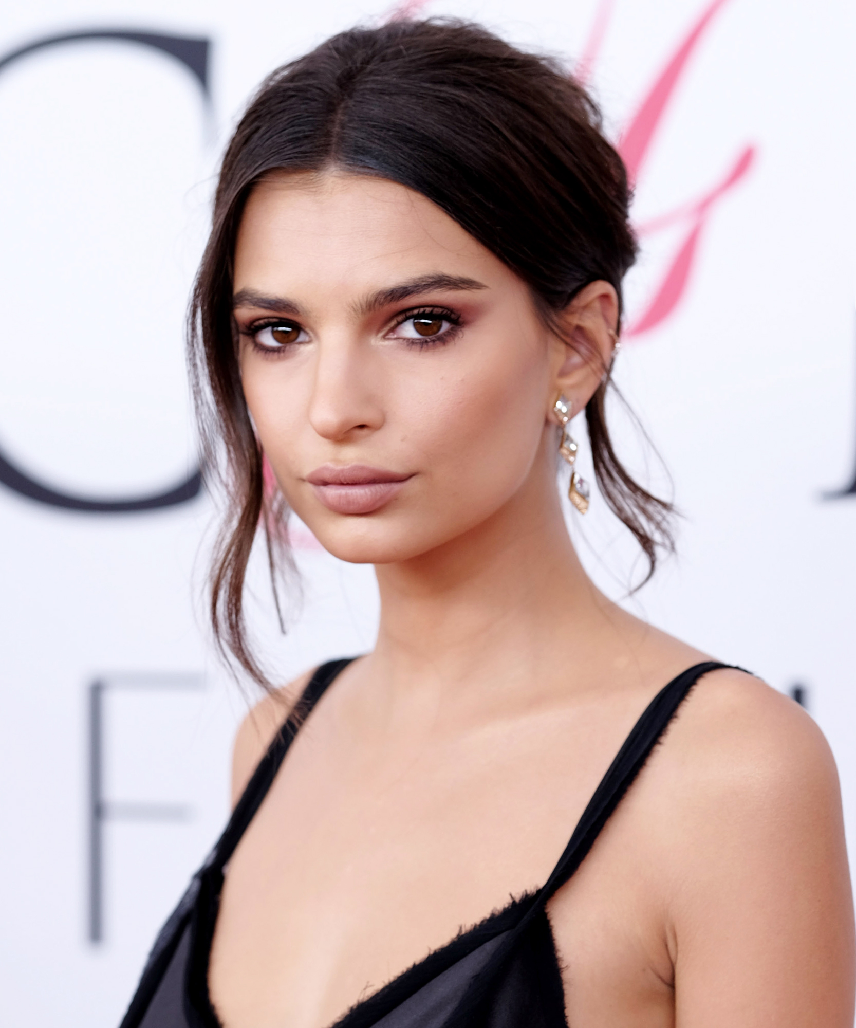 Emily Ratajkowski Launches Her First Swimwear CampaignSee - 20 Hairstyles