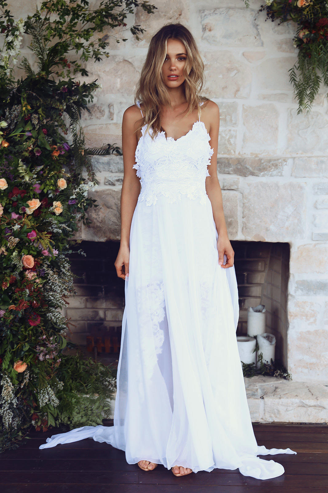 Behold: The Most Popular Wedding Dress on the Internet RN