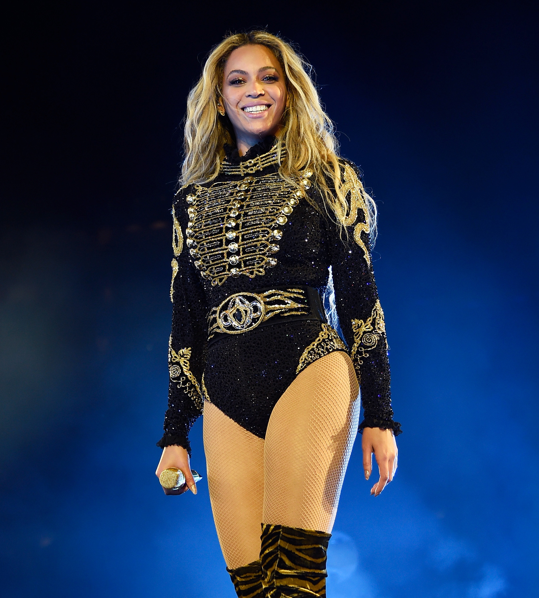 Beyoncé Knowles Stuns in Sicily Rocking a Fierce Bikini and Cover-Up Combo