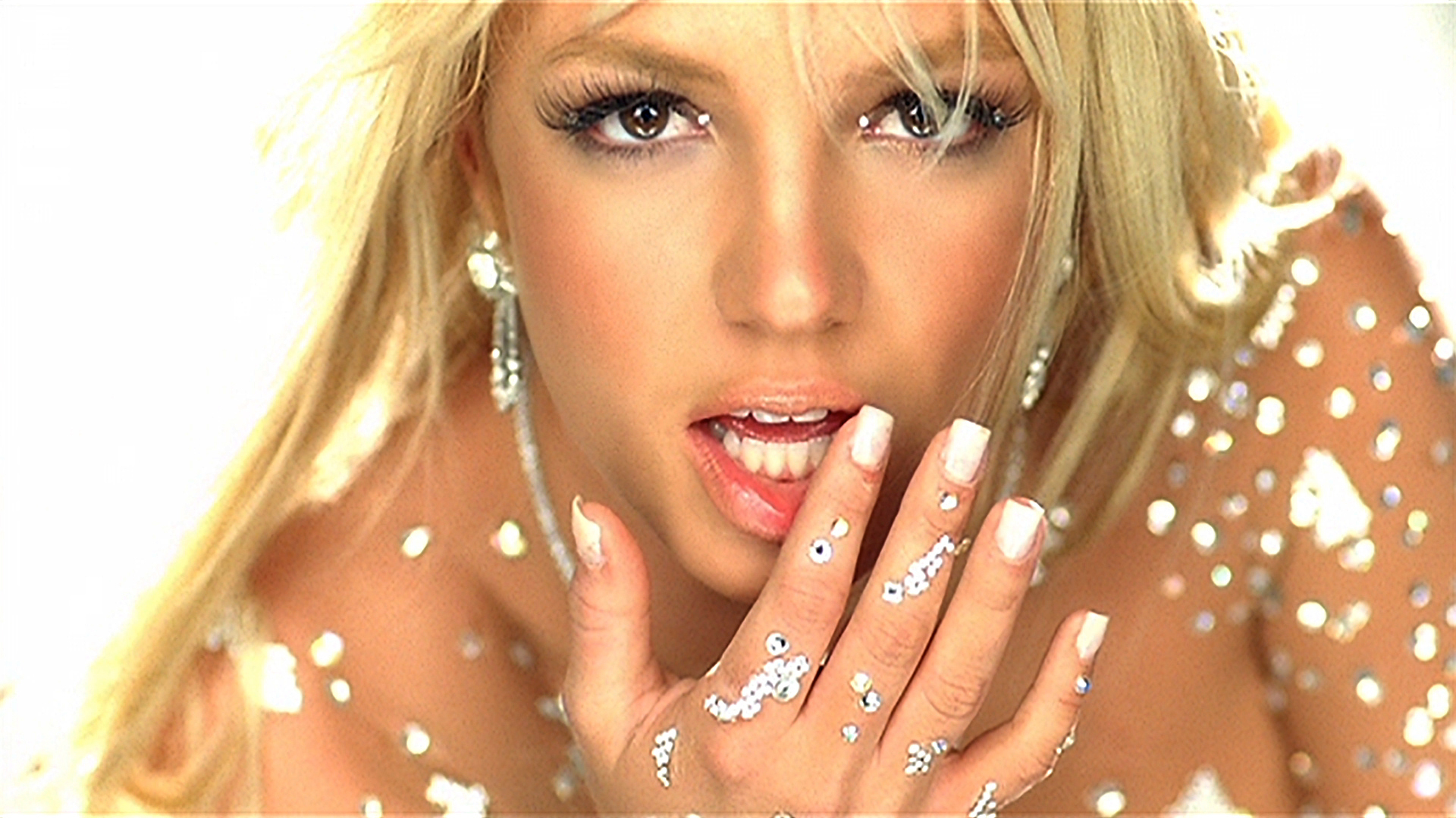 Britney Spears -Toxic Music Video LEAD