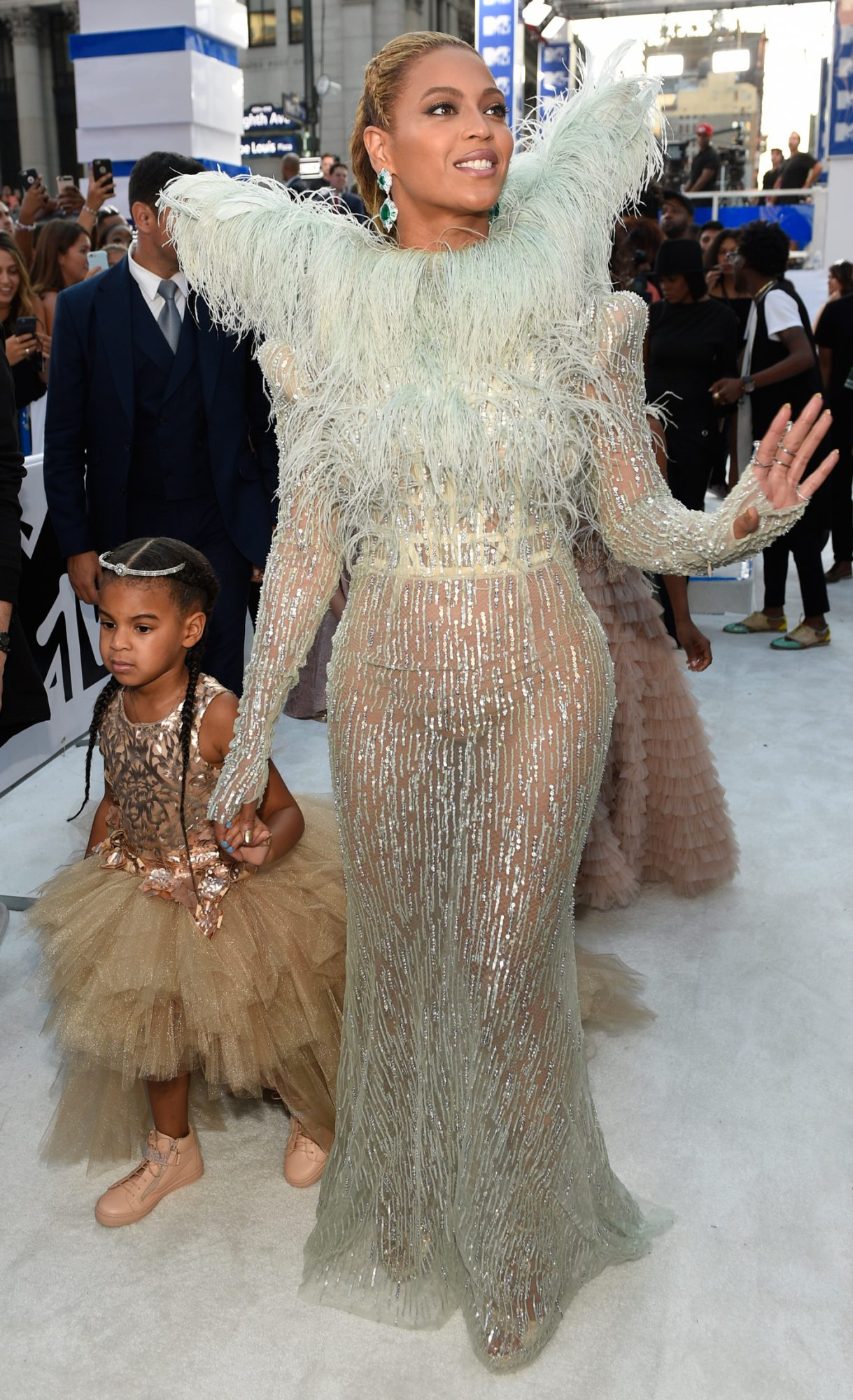 VMA - Blue Ivy & Beyonce Embed 4