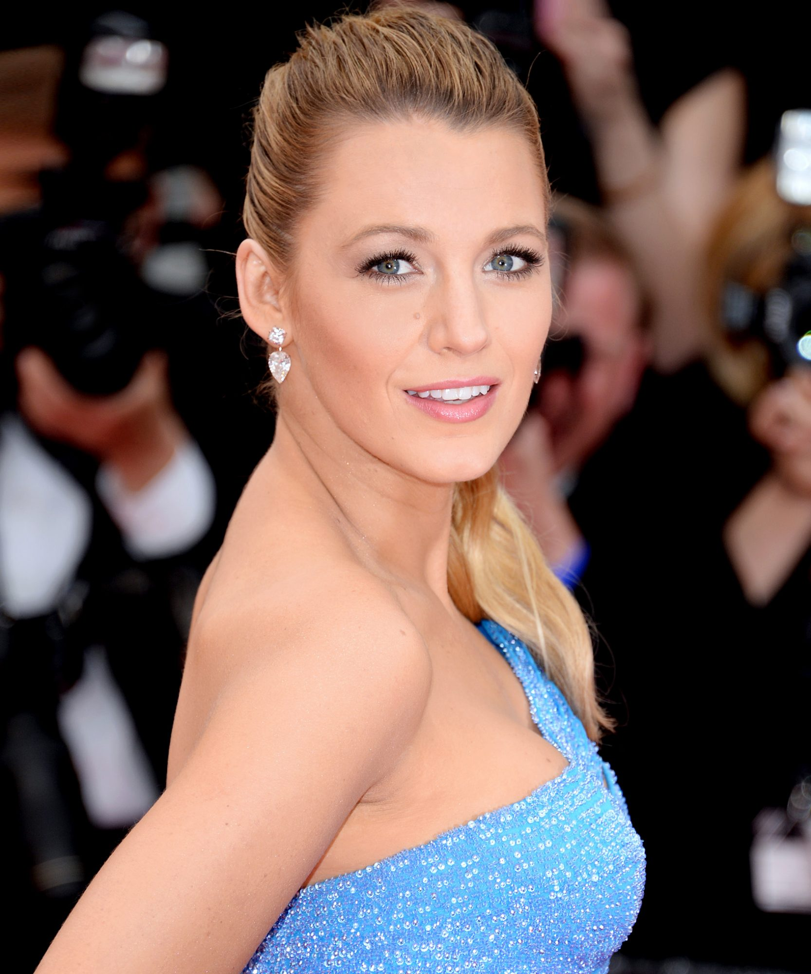 Blake Lively Hair Styles - Lead