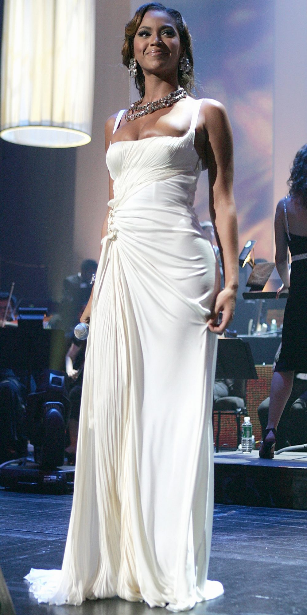 Beyonce in White Dresses — Beyonce Wearing Wedding Dresses Red ...