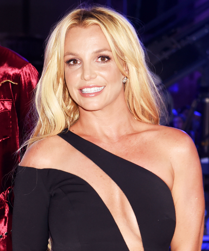 Britney gives us some of her vintage moves in new video