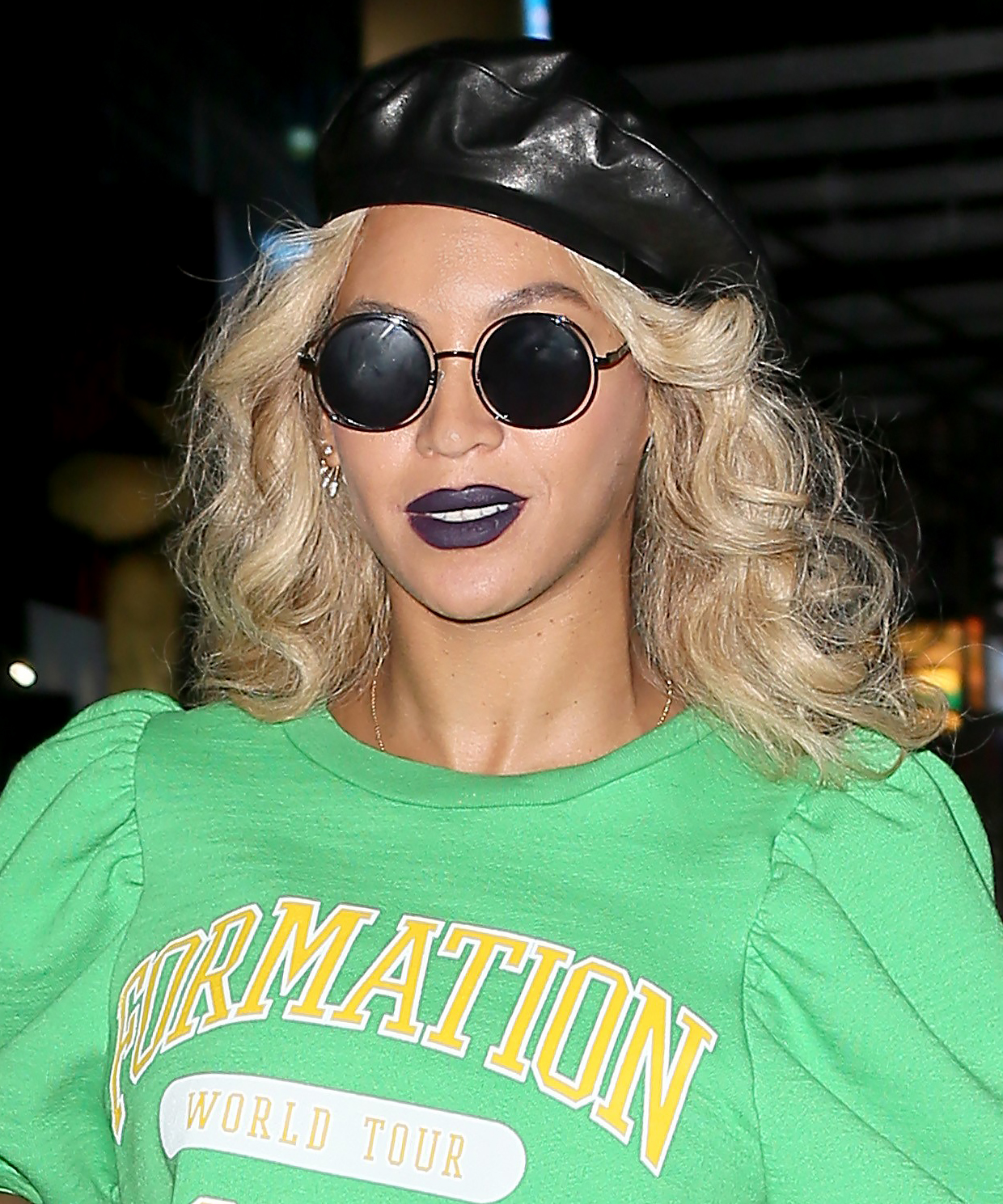 Beyonce Blue Lip - LEAD