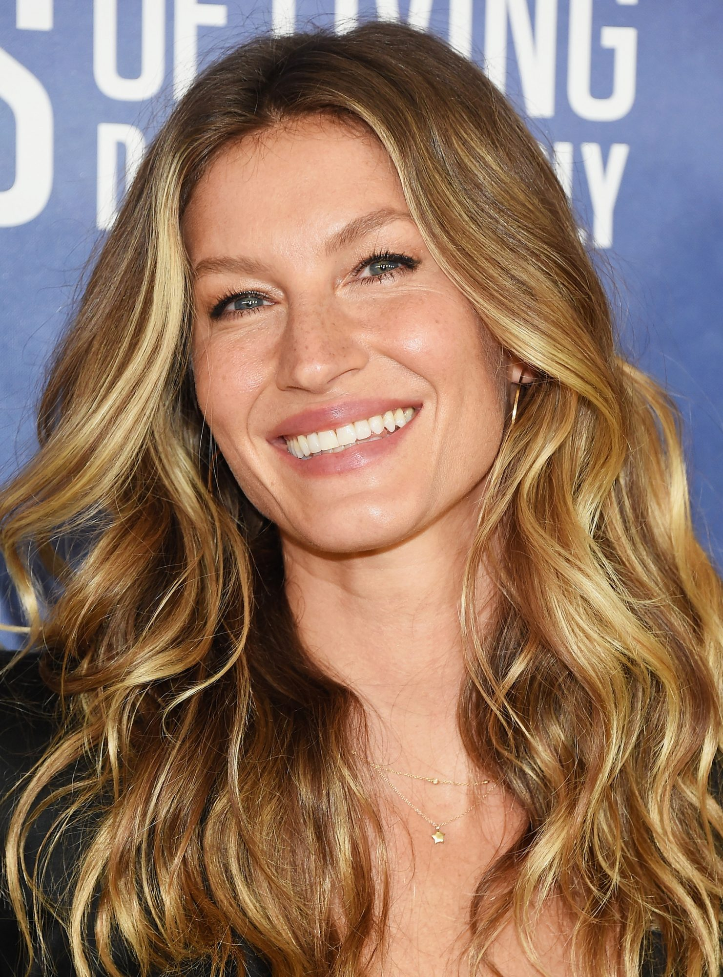 Gisele B 252 Ndchen Shares Cute Throwback Baby Photo With Twin