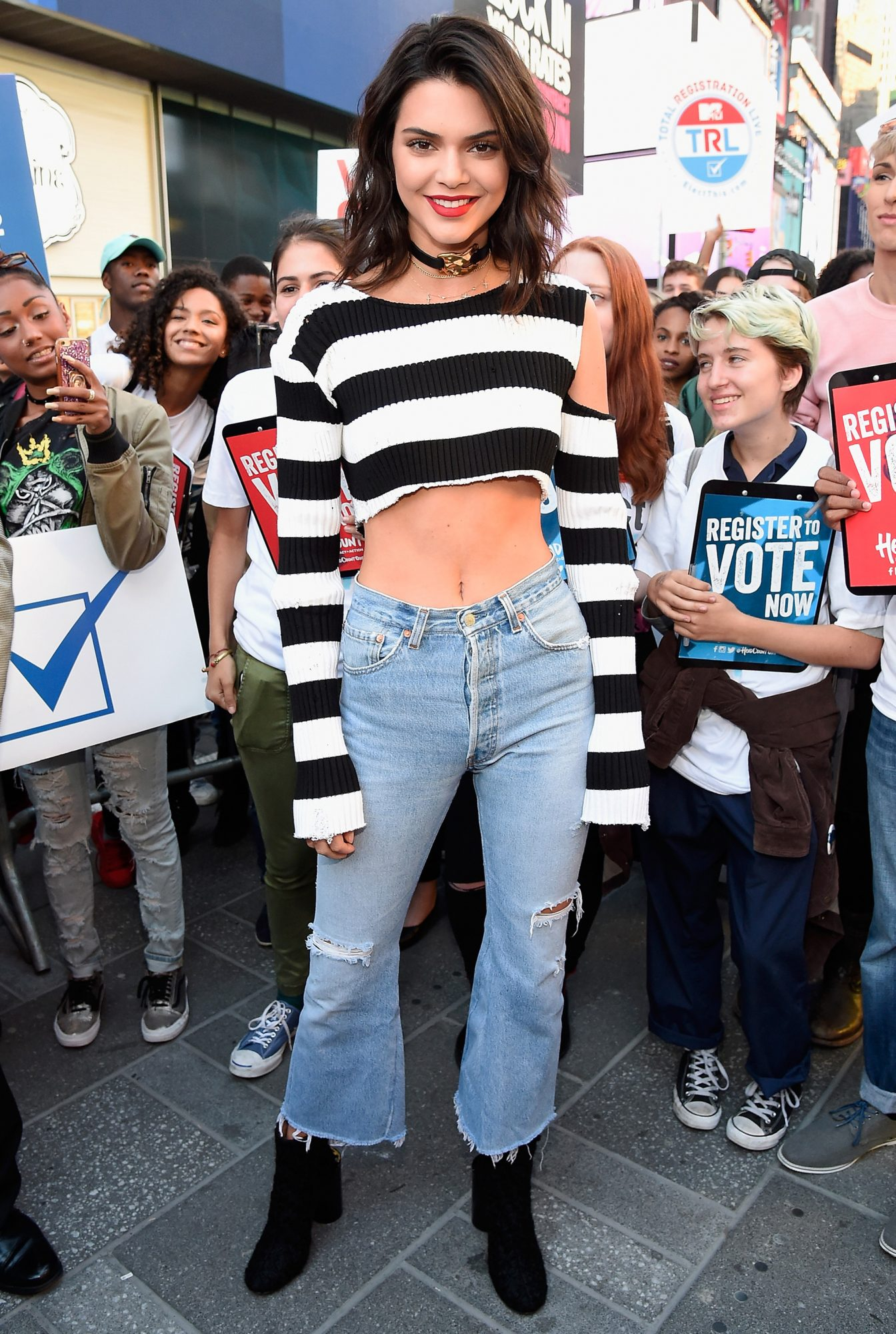 8 instances that prove underboob might be the new sideboob