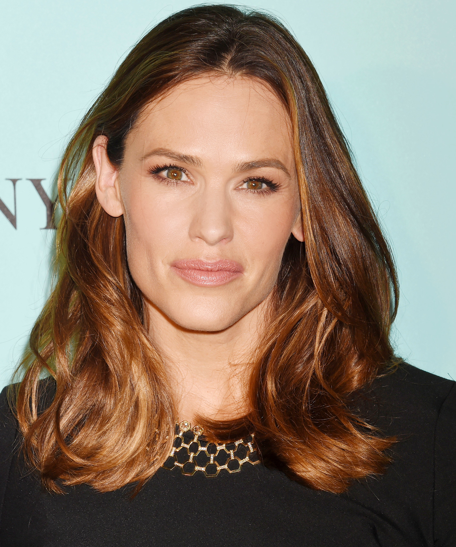 <p>BEVERLY HILLS, CA - OCTOBER 13: Actress Jennifer Garner arrives at the Tiffany And Co. Celebrates Unveiling Of Renovated Beverly Hills Store at Tiffany & Co. on October 13, 2016 in Beverly Hills, California. (Photo by Jeffrey Mayer/WireImage)</p>