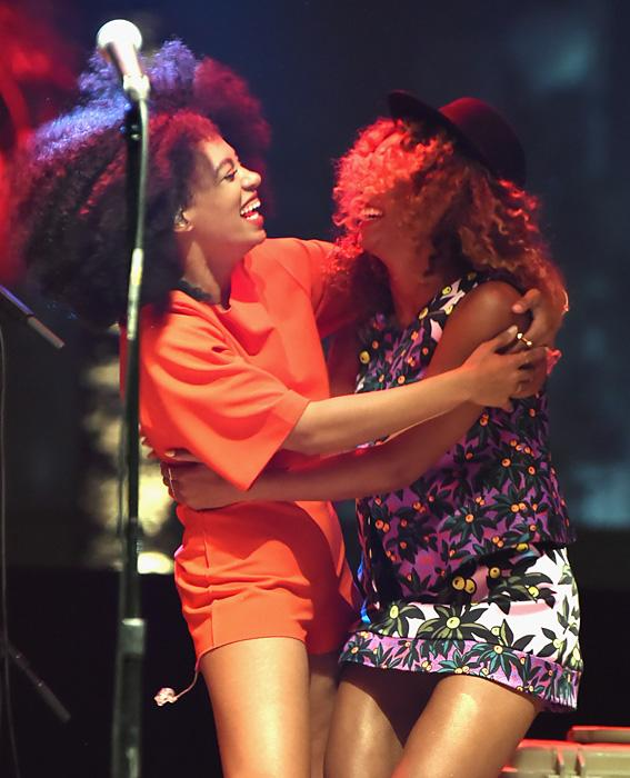 12 Pictures That Show How Tight Beyoncé and Solange Are