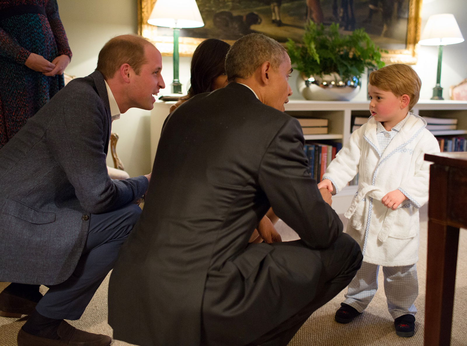 <p>Prince George Meets President Obama ... In His Robe?</p>