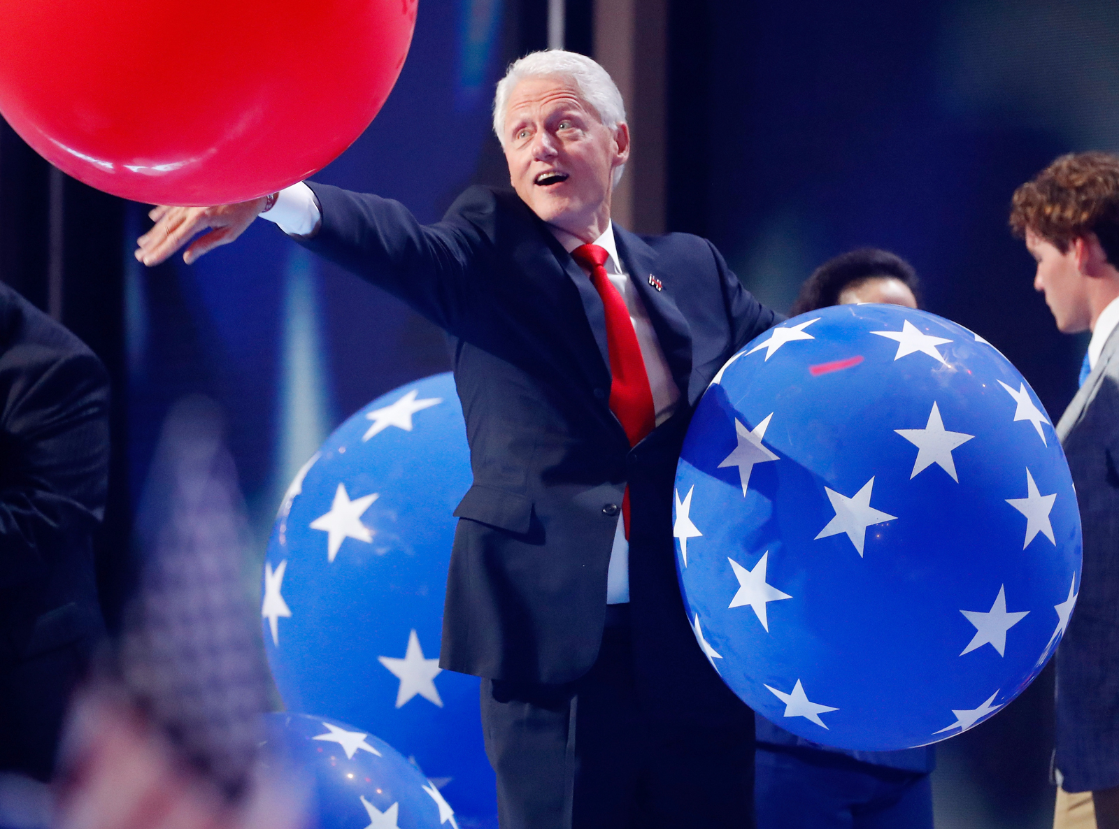 <p>Bill Clinton Fell In Love With a Balloon? </p>