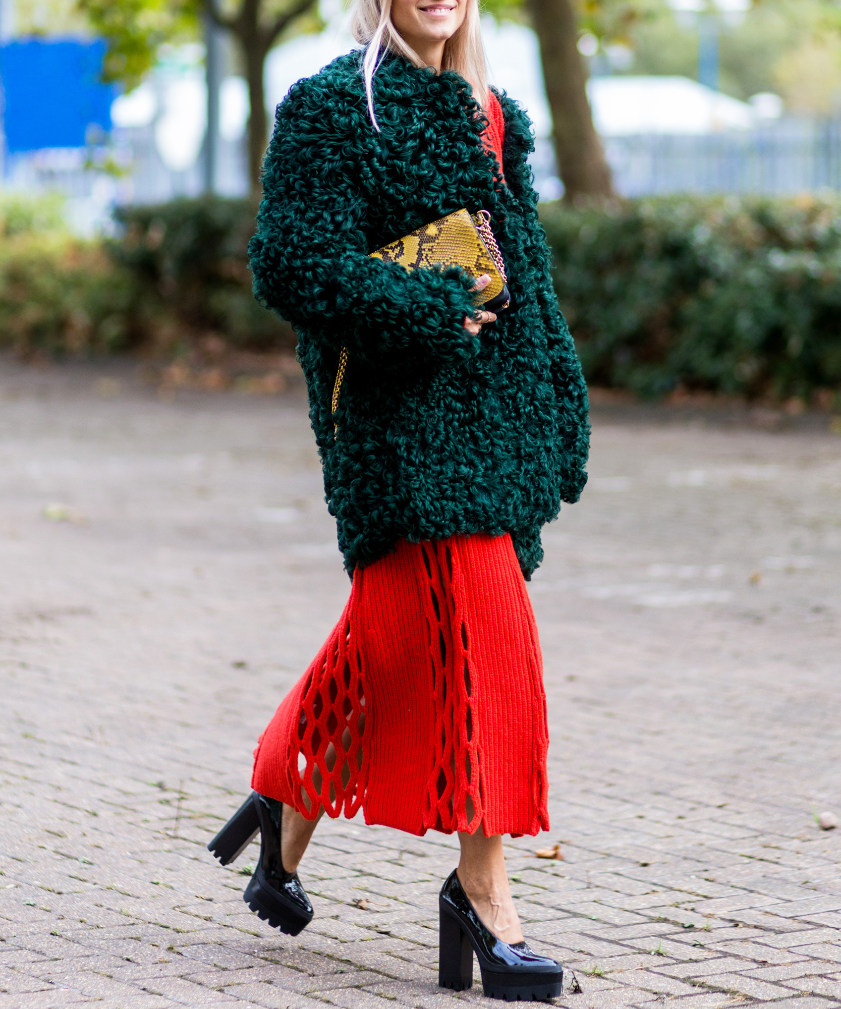 How to Wear Red and Green Together in the Chicest Way Possible