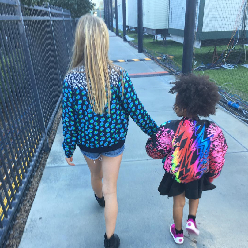 <p>When Apple Walked Blue Ivy to the Superbowl</p>