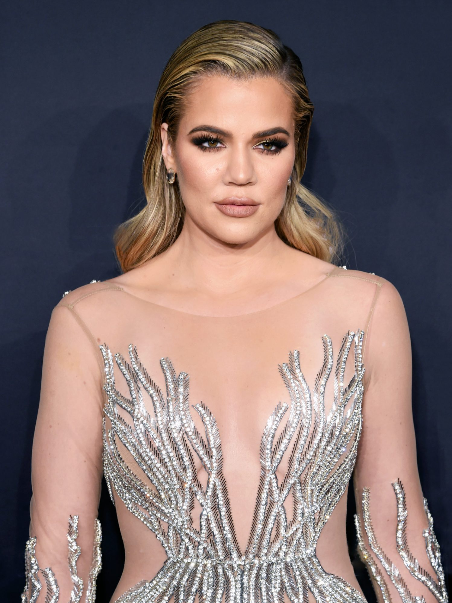 this is khloe kardashians response to a fans prom