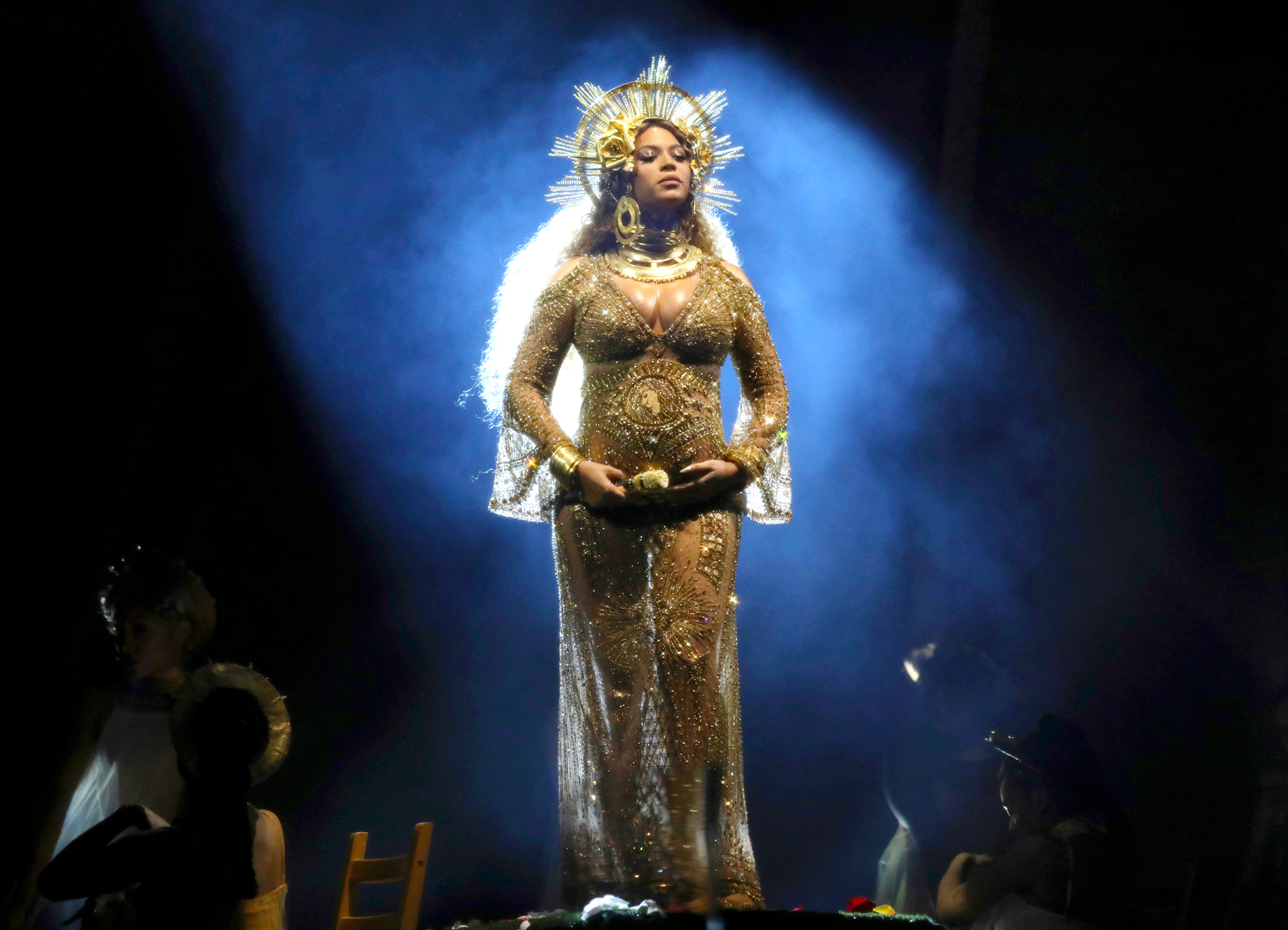 Beyoncé Out-Slays Herself at the 2017 Grammys