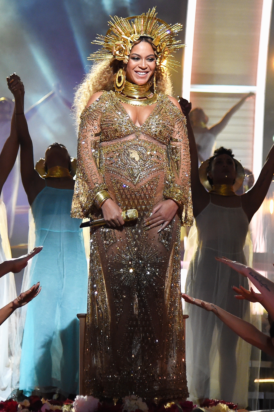 Beyonce Maternity Style 2017 - Embed 1