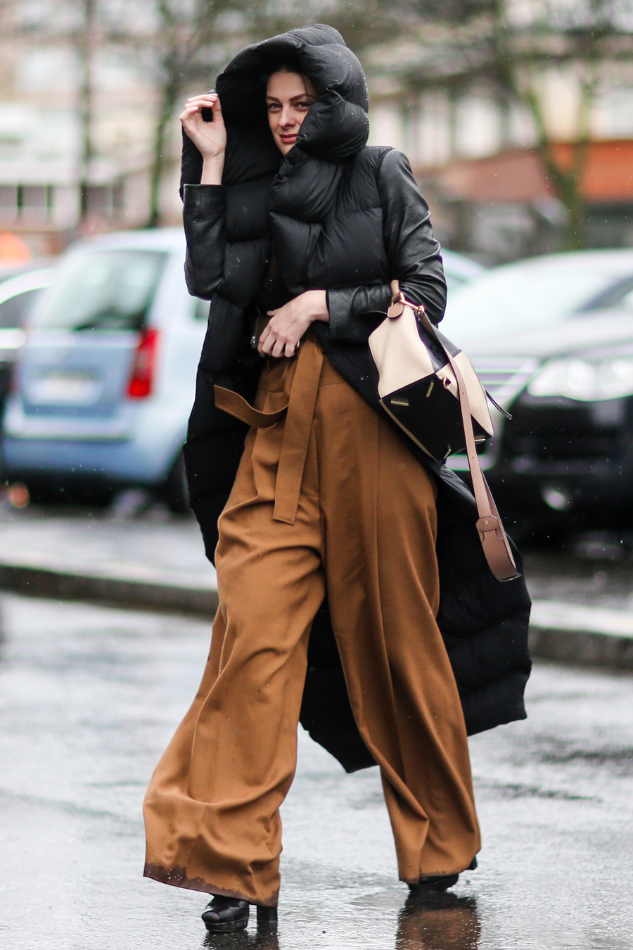 <p>PUFFER AND EXTRA LONG TROUSERS</p>