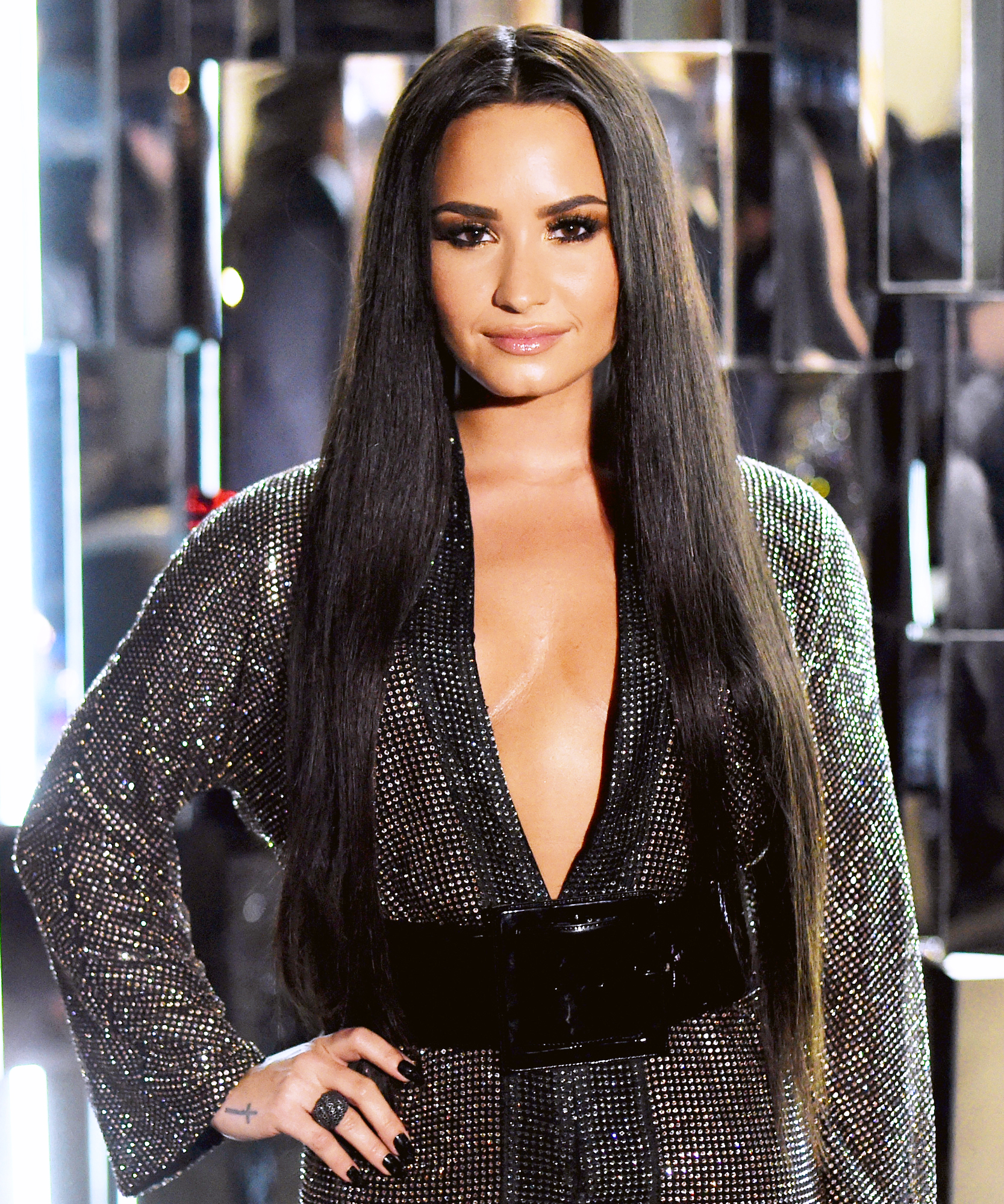 Demi Lovato's Choppy Lob Haircut | InStyle.com