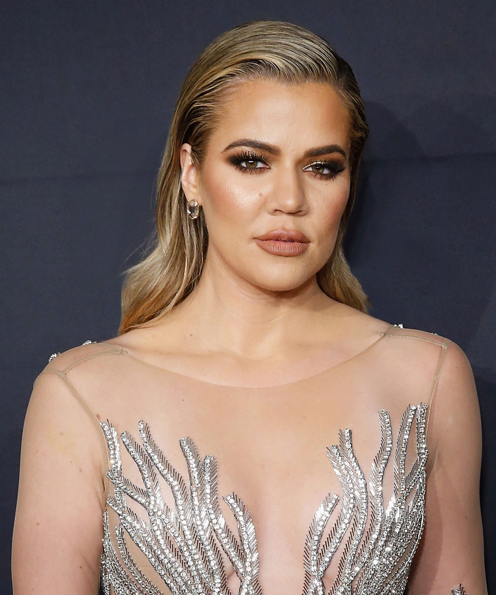 """Khloé Kardashian Recommends Wipes for Your """"Lady Parts,"""" Gynecologists Disagree"""