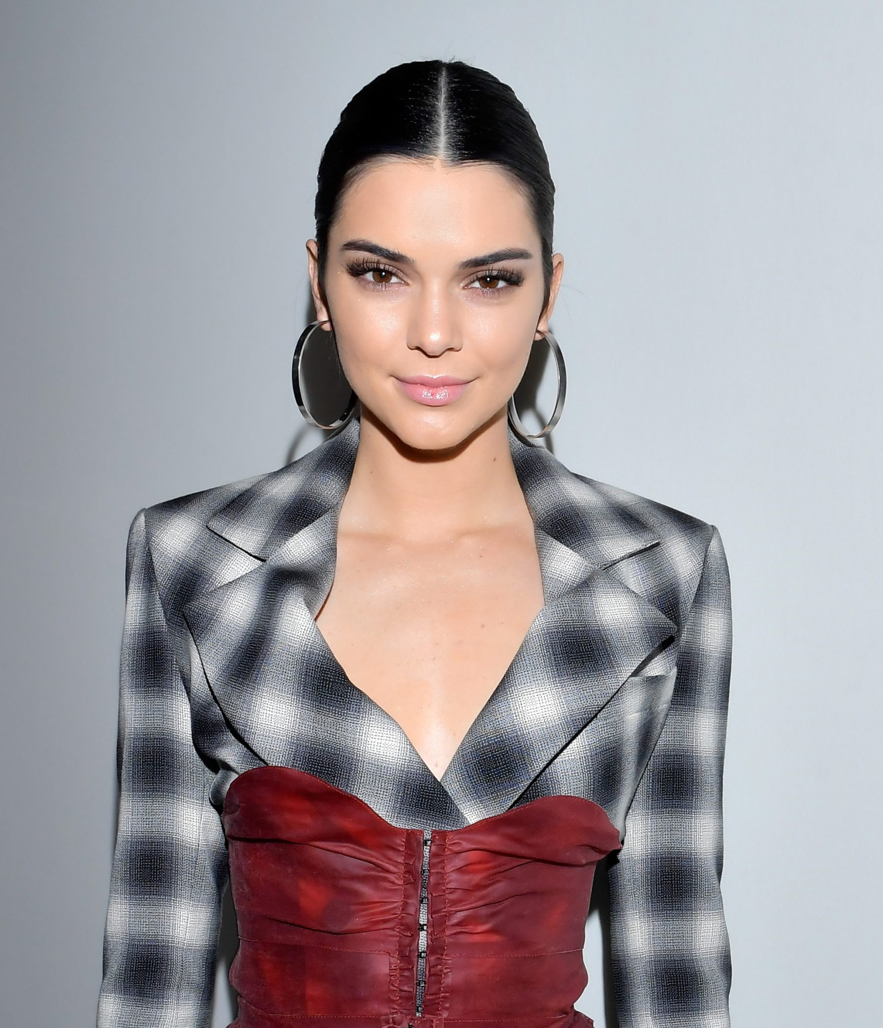 <p>Kendall Jenner - March 2, 2017 - LEAD</p>