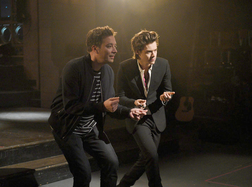 Jimmy Fallon &amp; Harry Styles Can't Keep It Together in <em>SNL</em> Promo