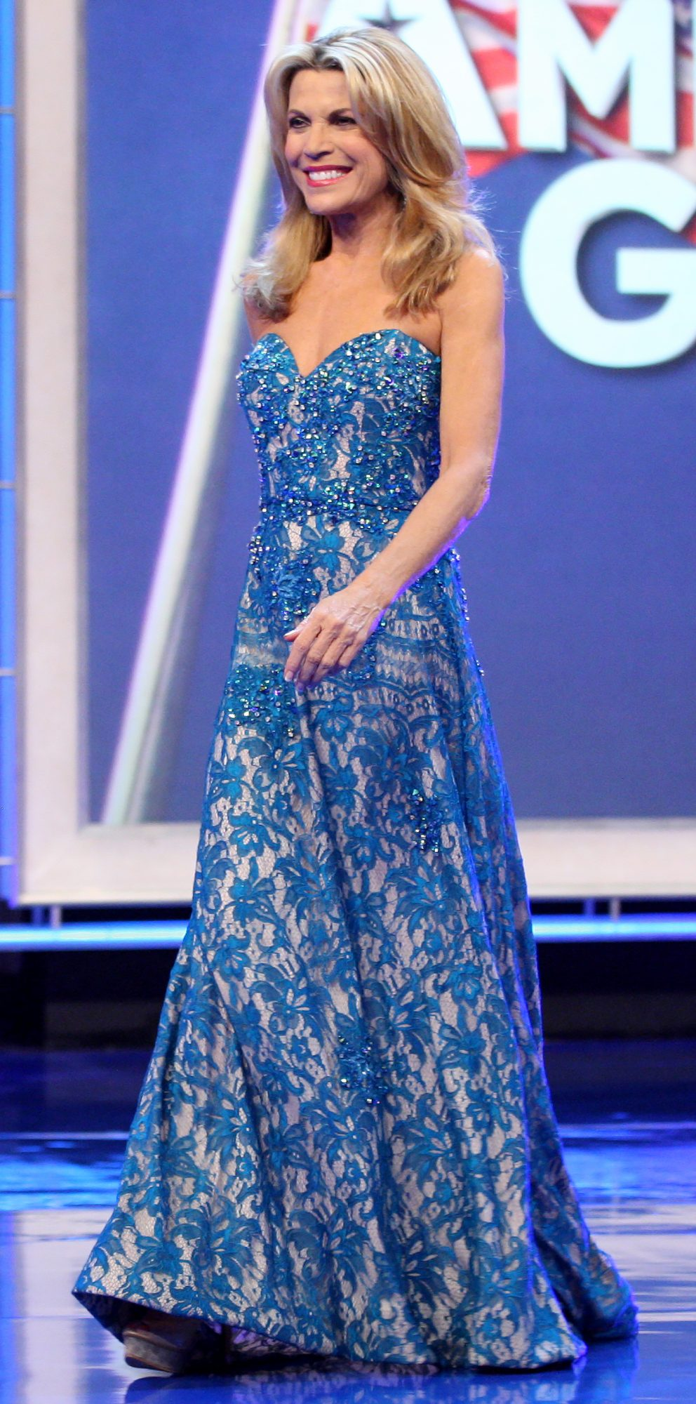 Vanna White Has Worn More Than 6500 Gowns on \'Wheel of Fortune\'—But ...