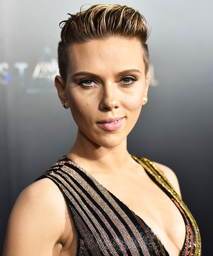 This Grandma Looks So Much Like Scarlett Johansson, It's Scary
